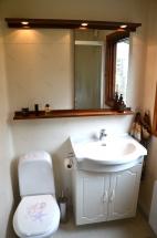 Toalett med duschkabin